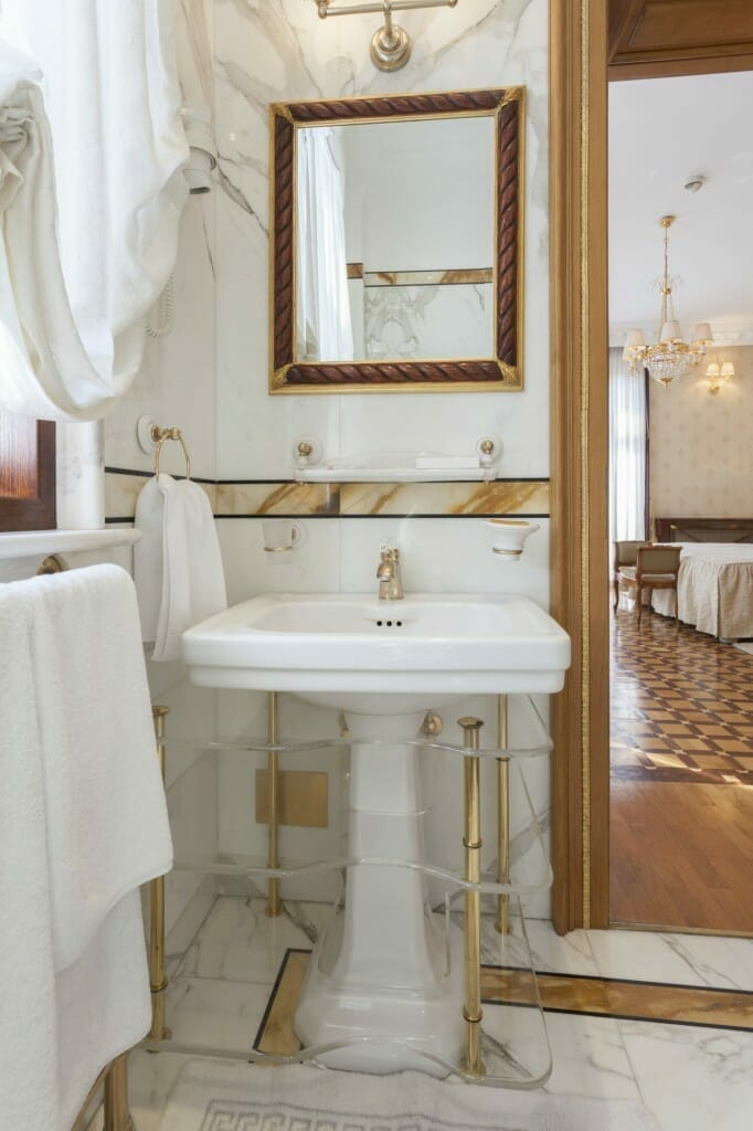 gold faucets maintaining and cleaning gold plated bathroom fixtures