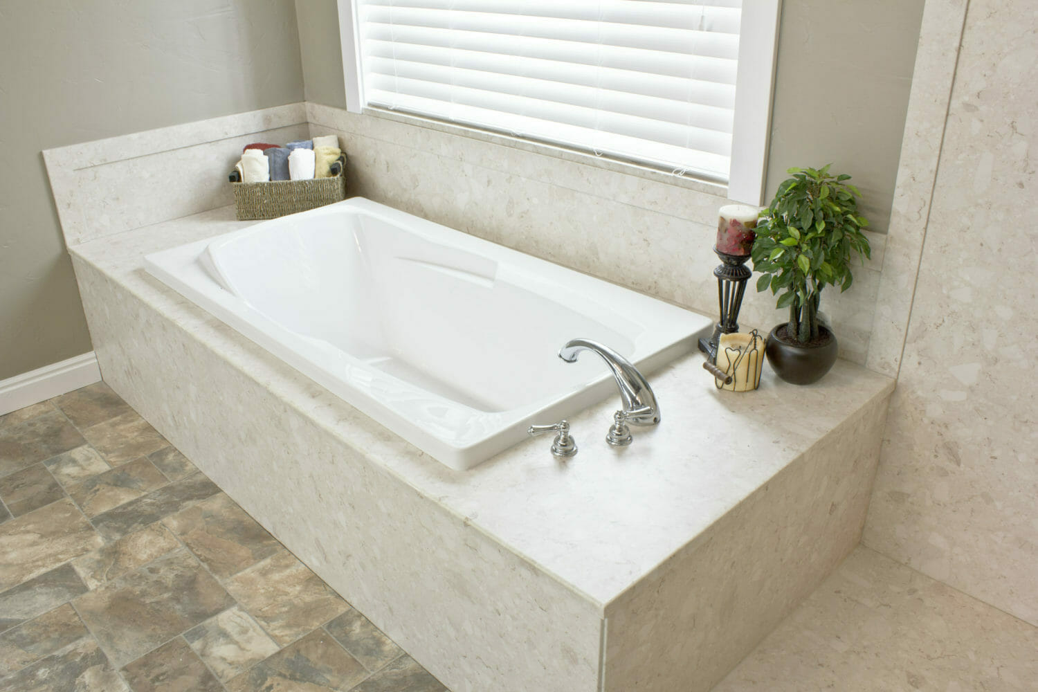 tub enclosure for Richmond Hill, ON